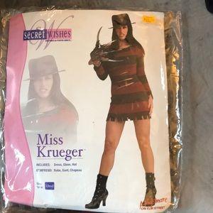 Miss Krueger Halloween costume